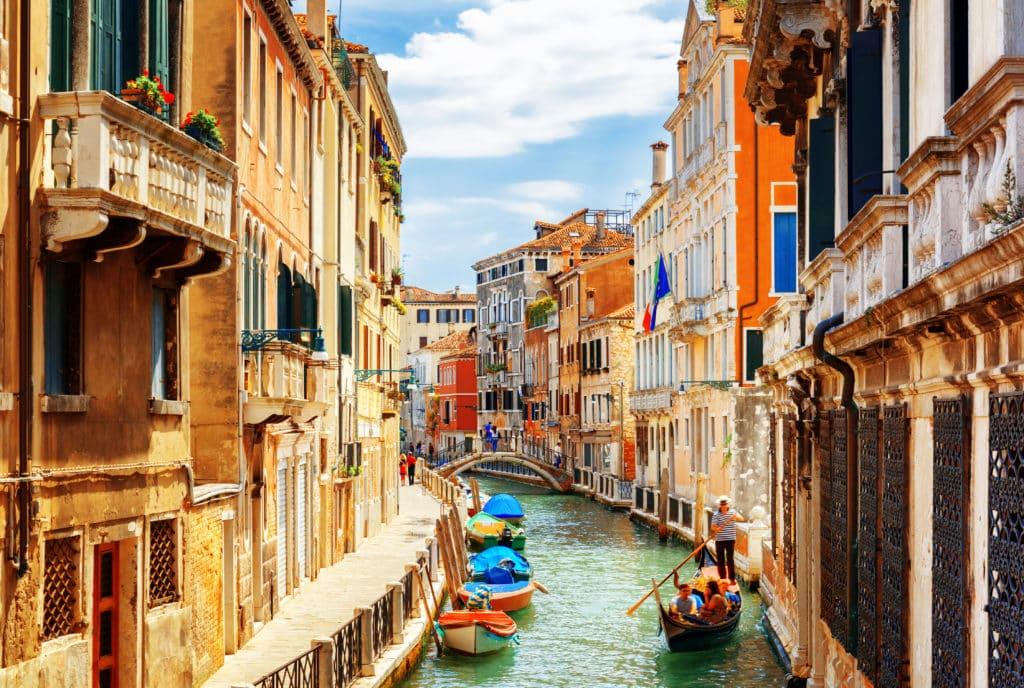 Venedigs's Kanälen